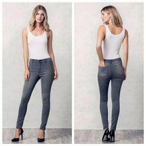 NWOT Jessica Simpson Aviana High Rise Skinny Jeans